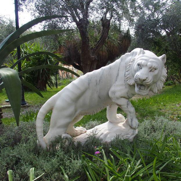 Villa Regina Margherita -skulptur i parken